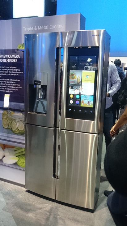ces 2016 samsung family hub refrigerator hands on impressions tech features popzara press. Black Bedroom Furniture Sets. Home Design Ideas