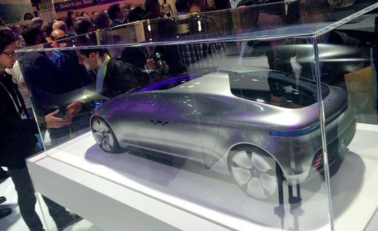 CES 2015: Mercedes-Benz Driverless Car Presentation (F 015 Luxury)
